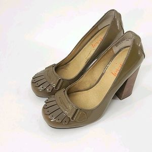 """Levity """"nicolo"""" leather loafer pumps. Size 6"""